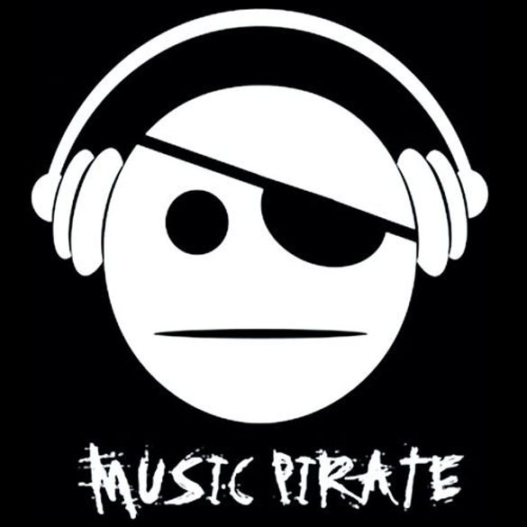Bluza kangurka  MUSIC PIRATE